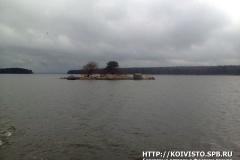 Пролив между березовыми островами