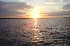 Закат в проливе Бъеркезунд