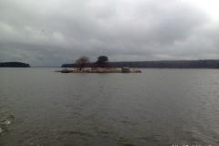 Маленький остров между Большим и Западным островами